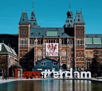 Rijksmuseum + Van Gogh Museum Skip-the-Line Guided Combo Tour – Private Tour in Portuguese