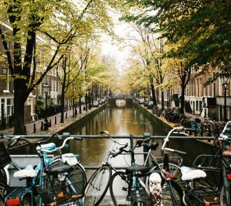 History of Amsterdam – City Center Guided Walking Tour – Private Tour in Portuguese